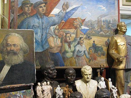 Prague_communist_museum_3.jpg