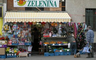 Convenience Stores and Vietnamese People in Prague