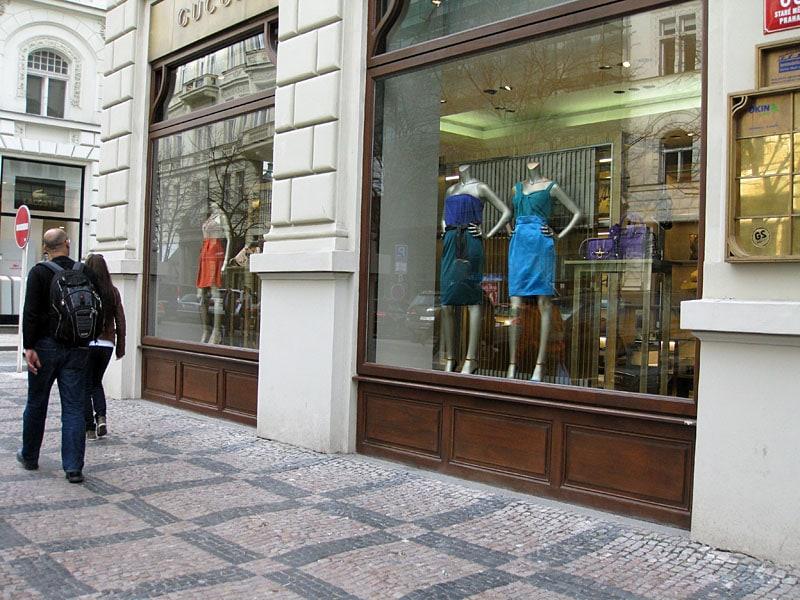 Parizska Avenue and Top Fashion