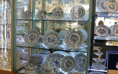 Shopping for Porcelain, Pottery and Blue Onion Pattern